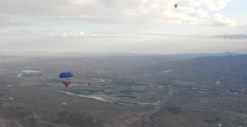土耳其境內的蜿蜒紅河,曾孕育古西台文明,曾見證霸權遞嬗,最終匯入地中海。(照片由羽嚴提供)
