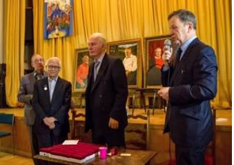 俄羅斯作家協會主席甘尼切夫•瓦列里(右二)和外事委員會主任巴威金•奧列格(右一)。