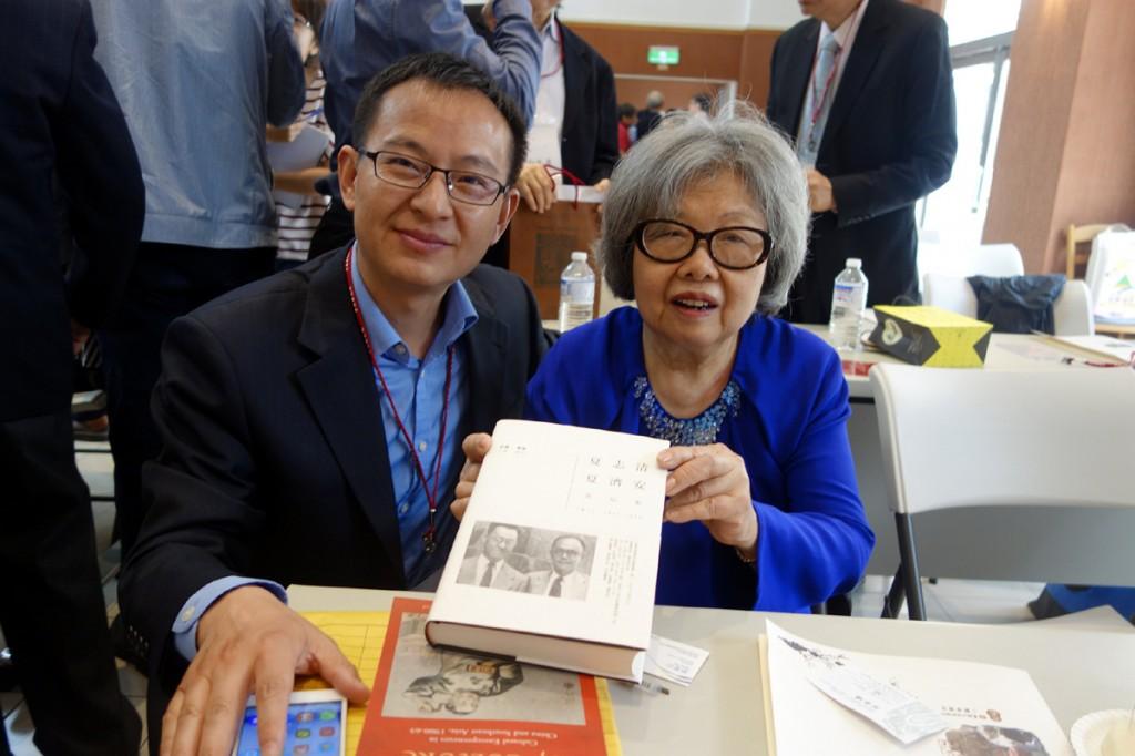 夏志清夏濟安書信集由王洞主編(右),季進編注(左)
