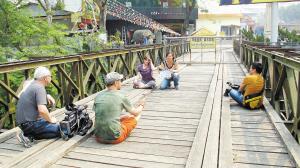 中緬邊境畹町橋頭封鏡